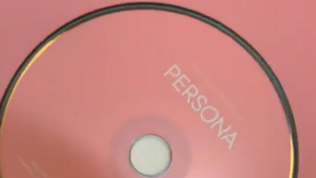 Luna Maya mendapat album BTS 'Map of the Soul: Persona'