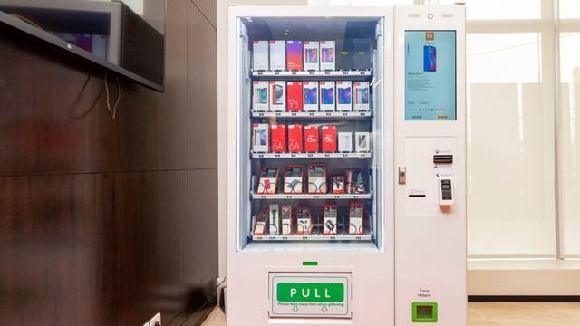 Xiaomi Mulai Jual Smartphone Lewat Vending Machine (35509)