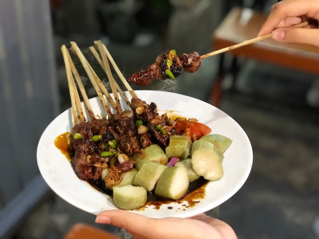 8 Rekomendasi Sate Kambing Enak di Jakarta Buat Menu Makan #dirumahaja (141982)