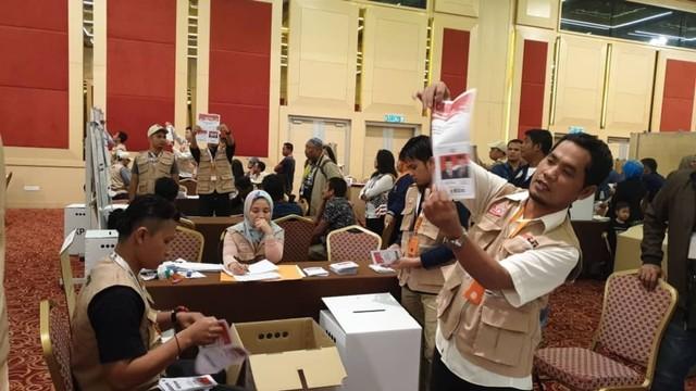 Masinton: PPLN Kuala Lumpur Menghitung 'Surat Suara Sampah' (343468)