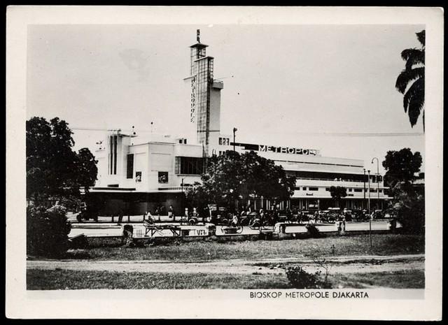 120 Tahun Bioskop RI: Lahir di Era Kolonial, Mati Suri di Masa Pandemi, Lalu? (72640)
