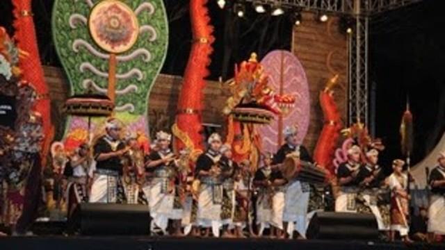 Dharmaning Gesing ; Upaya Sanur Village Festival Angkat Nilai Bambu (303307)