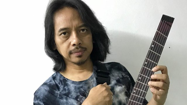 Dewa Budjana Gandeng Mantan Drummer Toto di Single Kmalasana (13200)
