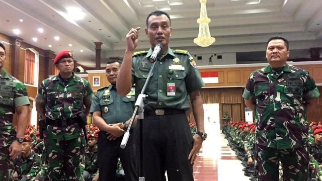 Dokter spesialis penyakit dalam di Rumah Sakit Pusat Angkatan Darat, Kolonel Anjar