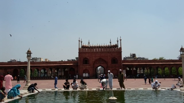 Pesona Jama Masjid Delhi, Warisan Arsitektur India Abad ke-17  (24096)