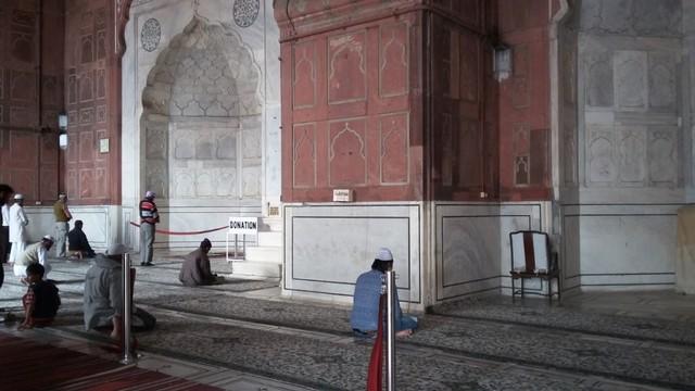 Pesona Jama Masjid Delhi, Warisan Arsitektur India Abad ke-17  (24105)