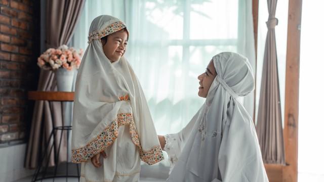 Parenting Islami: Tips agar Anak Bisa Hafal Al-Quran  (66682)