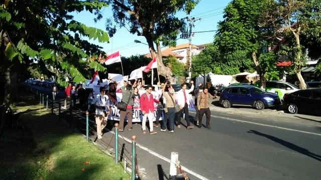Sejumlah Mahasiswa di Bali Gelar Aksi Tolak People Power  (61766)