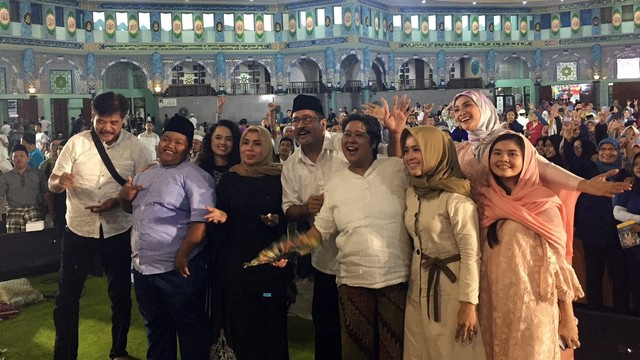 Wali Kota Tangerang Arief Wismansyah Hadiri Bukber Raya 'Si Doel The Movie 2'