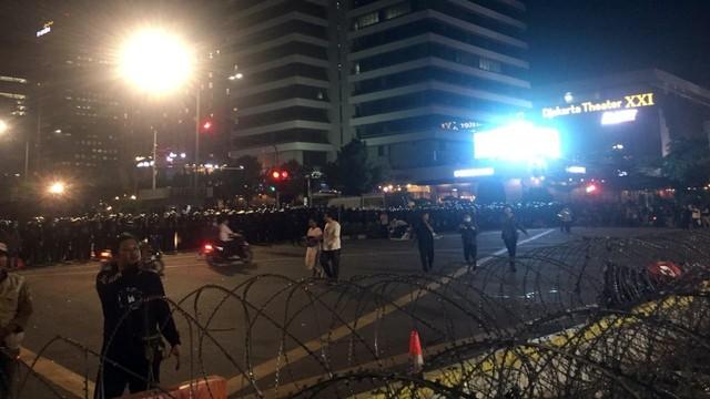 Kata Polisi soal Aksi di Bawaslu yang Tak Bubar Setelah Jam 18.00 WIB  (163417)