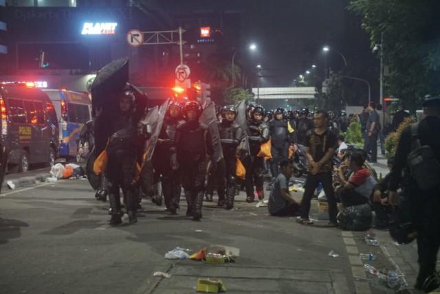 Mabes Polri: Perusuh yang Serang Polisi Massa Settingan (270310)