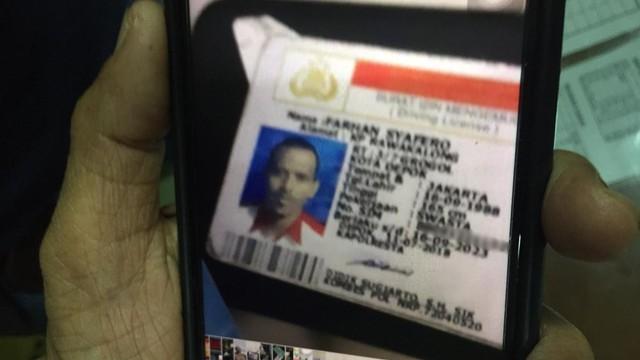 Kartu identitas Farhan, korban tewas tertembak peluru dalam kericuhan di Tanah Abang