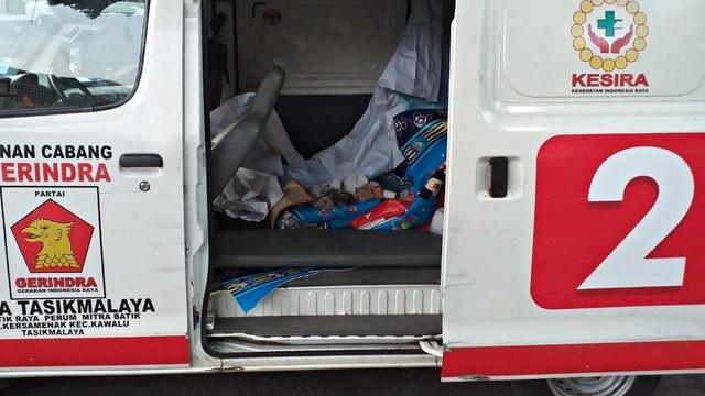 Hasil gambar untuk kendaraan ambulance  Parpol (logo gerindra Tasikmalaya) dipetamburan