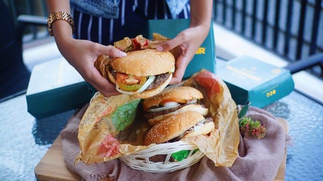 Burger King Bagikan 2.000 Whopper Buat Buka Bersama 300 Keluarga di Jakarta (281420)