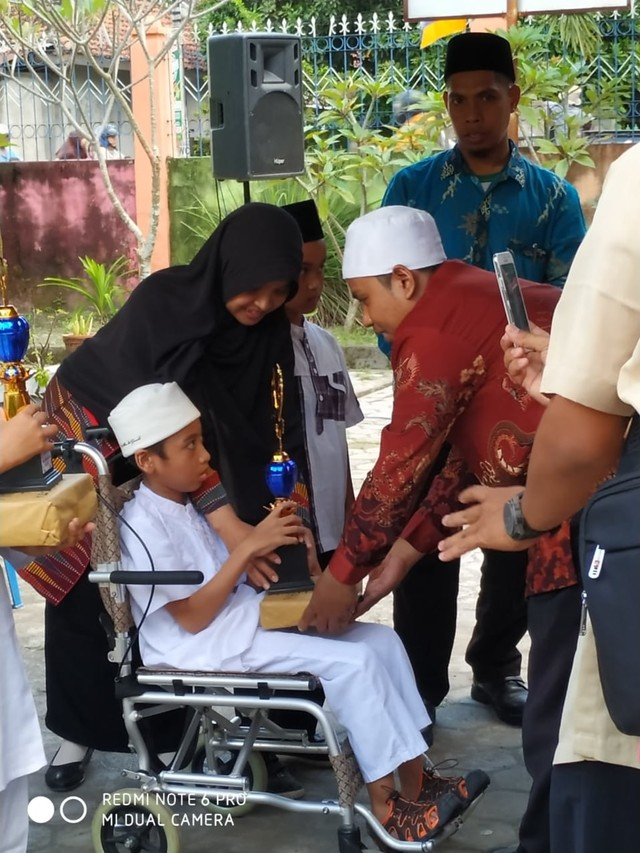 Kisah Naja, Bocah Penderita Lumpuh Otak yang Hafal 30 Juz Al-Quran (86702)