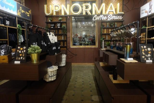 com-Store di Upnormal Coffee Roaster.