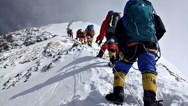 Pemerintah Nepal Akan Terapkan Aturan Baru Bagi Pendaki di Everest (17258)
