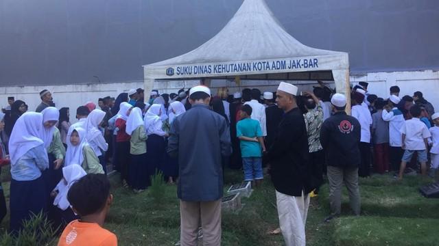 Suasana pemakaman Harun, korban kerusuhan 22 Mei