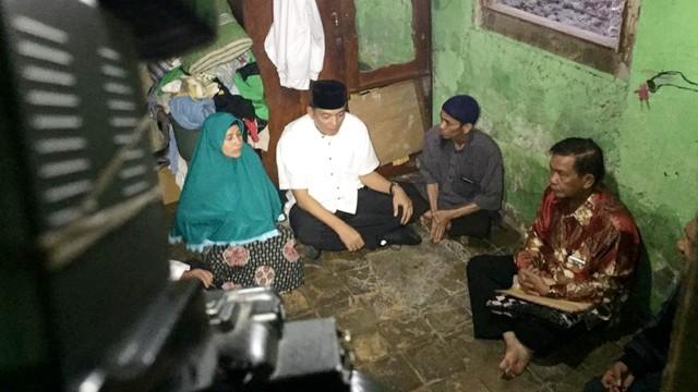 Letjen (purn) Sjafrie Sjamsoeddin, mengunjungi kediaman almarhum Reyhan Fajari di Petamburan