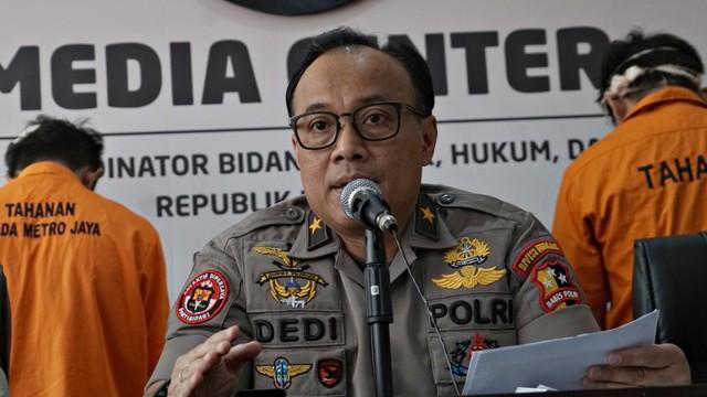 Karopenmas Divisi Humas Polri Brigjen Pol Dedi Prasetyo, konferensi pers di Kementerian Bidang Koordinator Politik, Hukum, dan Keamanan