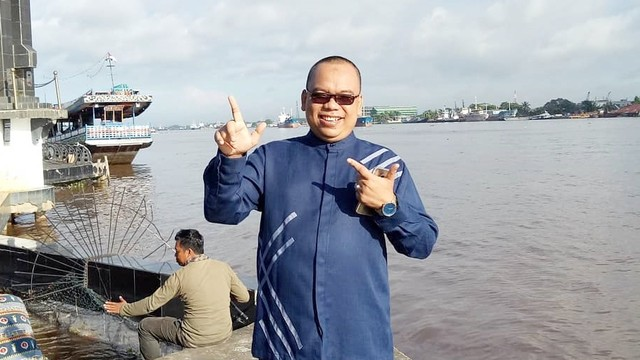 Rekam Jejak Mustofa Nahra, dari #2019GantiPresiden hingga Cuitan Harun (90202)