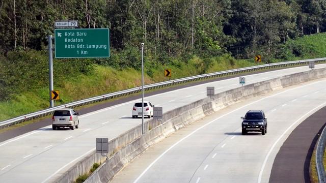 Berita Populer: Tutup Kap Mesin Mobil Ada Caranya; Tips Beli Mobil Secara Online (408)
