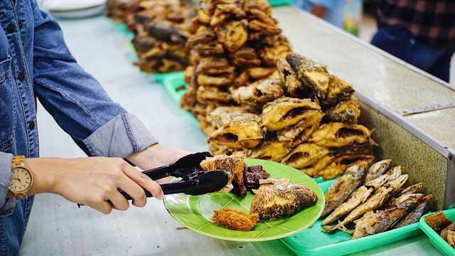 3 Hal yang Bikin Kamu Pengin Mampir Makan ke RM Ampera 2 Tak di Cikini (160698)