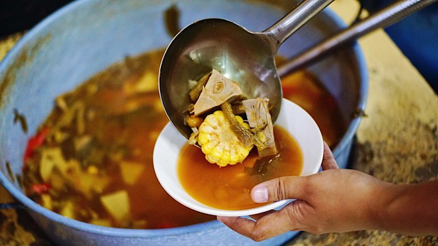 3 Hal yang Bikin Kamu Pengin Mampir Makan ke RM Ampera 2 Tak di Cikini (160697)