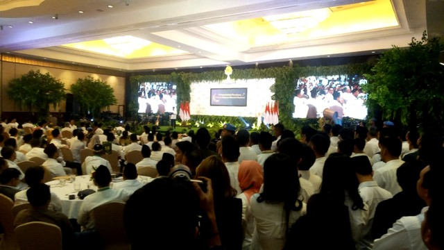 Suasana buka puasa Presiden Jokowi dan Anggota HIPMI di Ritz Carlton Kuningan