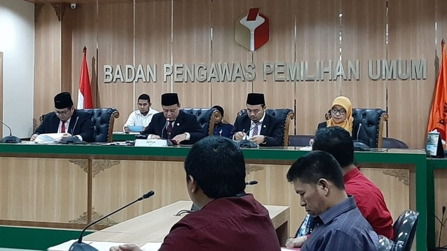 Bawaslu Proses 4 Laporan Dugaan Pelanggaran Petugas KPU  (1144143)