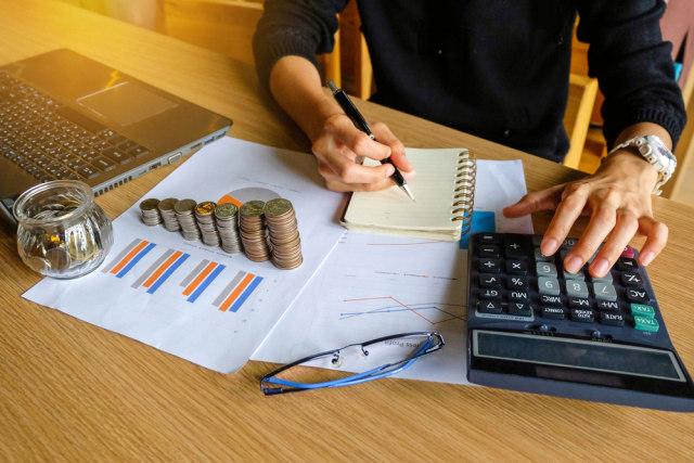 com-Ilustrasi perhitungan rencana keuangan