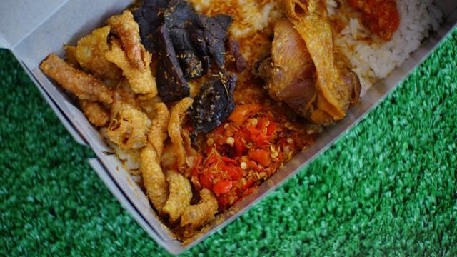 6 Rekomendasi Tempat Makan Kulit Ayam Enak di Jakarta (19697)