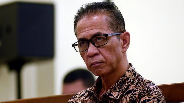 Bupati Mesuji noaktif Khamamik di Pengadilan Tipikor Bandar Lampung