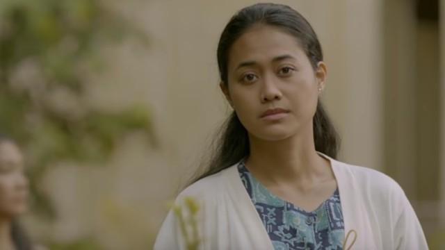 Putri Ayudya di Film 'Down Swan'