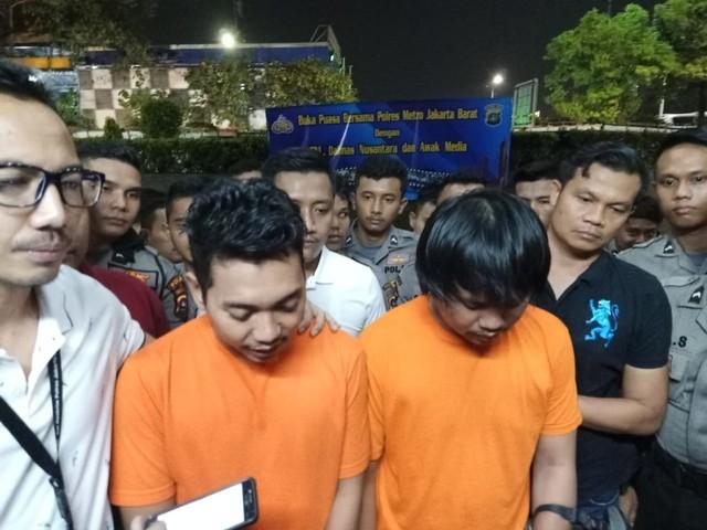 Dua Ojol Ditangkap Polisi karena Ajak Warga Lempar Kotoran ke Polisi (65913)