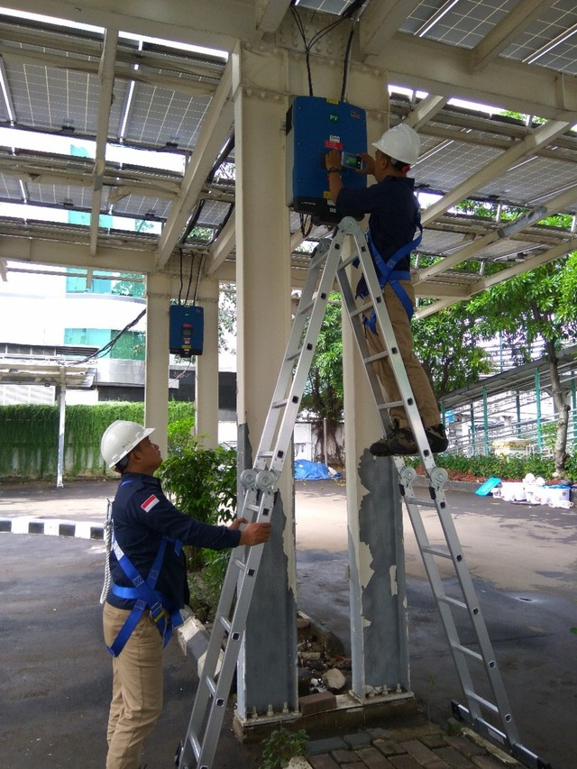 P3TKEBTKE, KESDM Melayani Perawatan PLTS Secara Berkala  (110814)