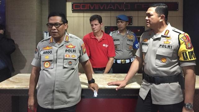 Kabid Humas Polda Metro Jaya Kombes Pol Argo Yuwono dan Kapolres Jakarta Barat Kombes Pol Hengki Haryadi di Mapolres Jakarta Barat