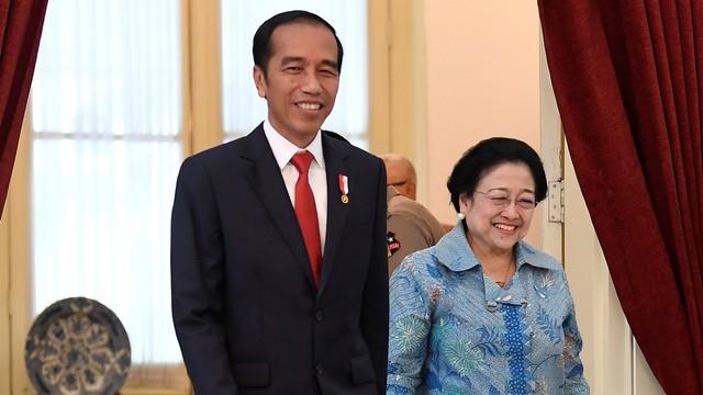 Hasto Kristiyanto: Mau Gabung Koalisi Jokowi Harus Kerja Keras (170122)