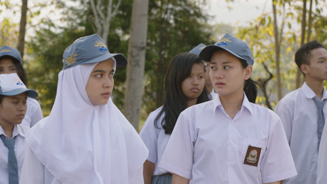 Adegan Dinda Hauw di film 'Say I Love You'