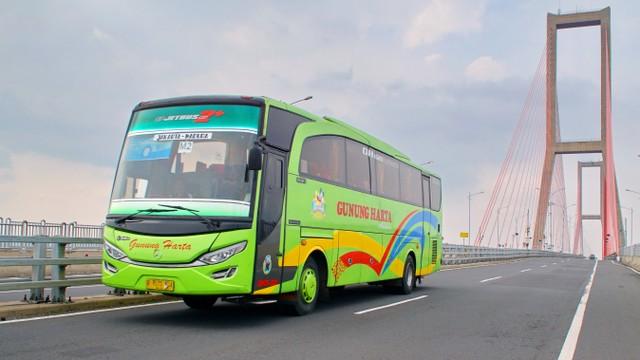 Ilustrasi mudik naik bus