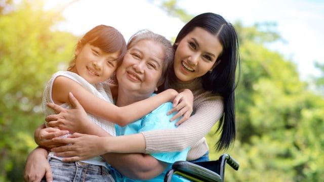 Ilustrasi lansia, nenek dan cucu.