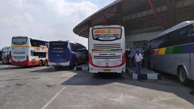 Ongkos Ganti Oli Bus Setara Uang Muka Honda BeAT!  (123590)