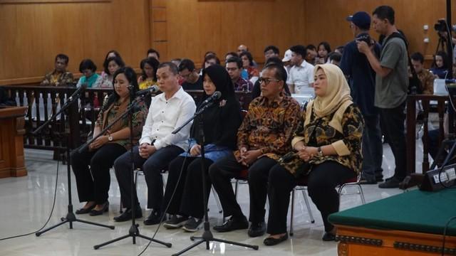 Image result for neneng hasanah yasin divonis 6 tahun penjara