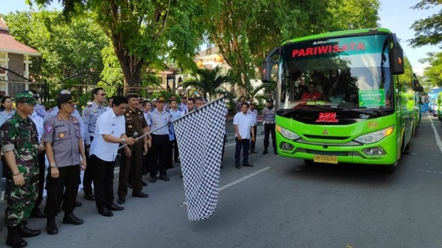 Pemda Sulawesi Tengah Berangkatkan 501 Peserta Mudik Gratis (439029)