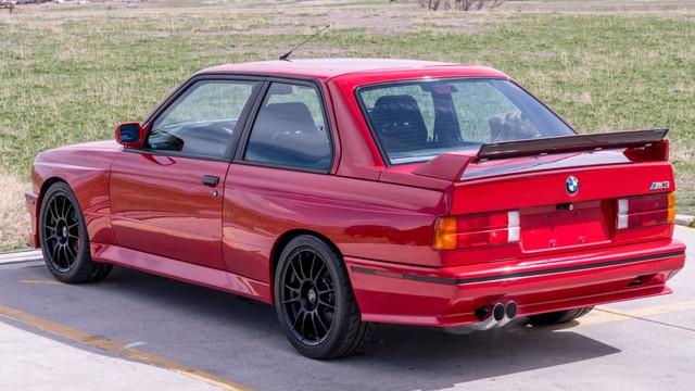 Gantengnya BMW E30 M3 2-Pintu yang Dilego Rp 500 Jutaan (171579)