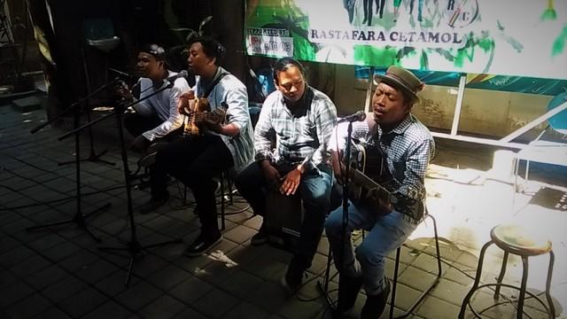 Di Balik Album Reggae 'Kiri-Kanan' Rastafara Cetamol (538747)