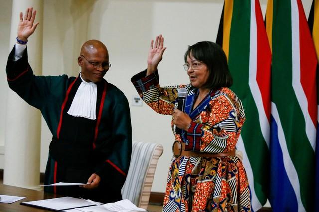 Patricia de Lille, Menteri Pekerjaan Umum Afrika Selatan