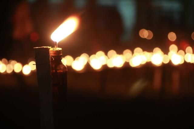 Melihat Tradisi Malam Pasang Lampu di Gorontalo (134210)