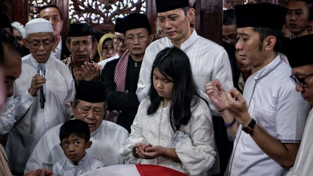 salat jenazah, Ma'ruf Amin, rumah duka SBY Cikeas, Ani Yudhoyono