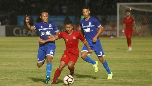 Timnas U-23 melawan PSIM Yogyakarta